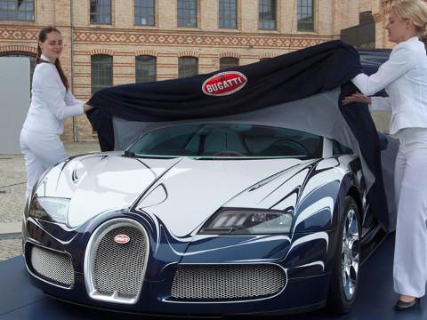 Duurste Auto Ter Wereld Met Porselein Versiert Aangekomen In De Vae