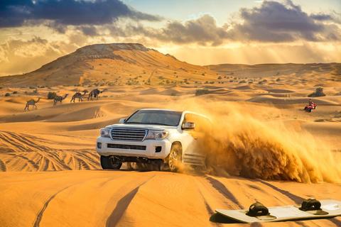 Dubai: Rodeduinensafari, Kamelenrit, Sandboard en Barbecue