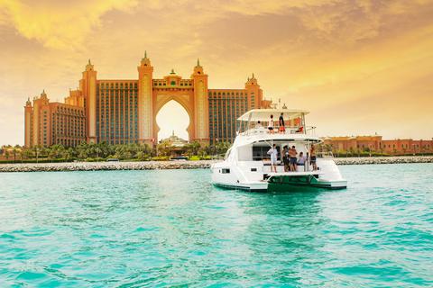 Dubai Marina: luxe jachtervaring met ontbijt of BBQ