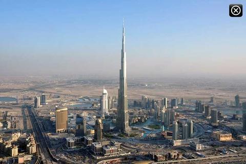 Tussen Dubai & Abu Dhabi: privétransfer enkele reis