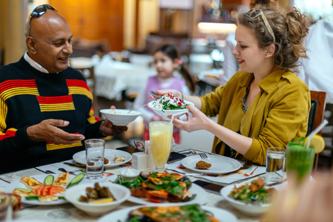 Dubai Private Food Tour: 10 smaken