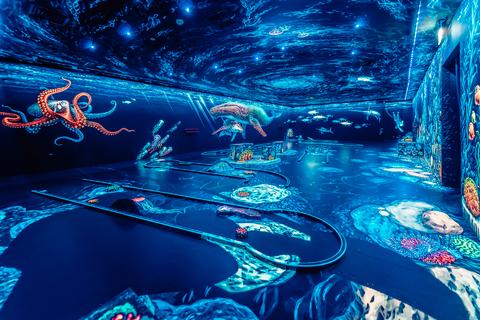 Dubai: 3D-Glow-in-the-Dark-minigolf (uv-licht)