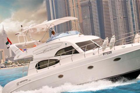 Dubai: Private Yacht Vakantie in Dubai Marina