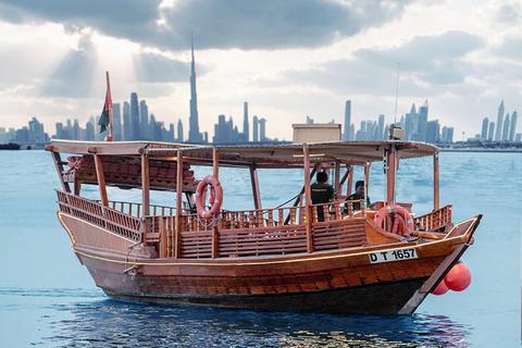 Dubai: zonsondergang Burj Khalifa in een abra