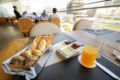 Burj Khalifa: ticket & exclusieve lunch in Armani Hotel