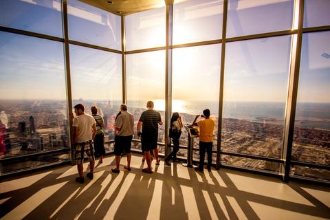 Burj Khalifa: entreeticket & koffie met gebak