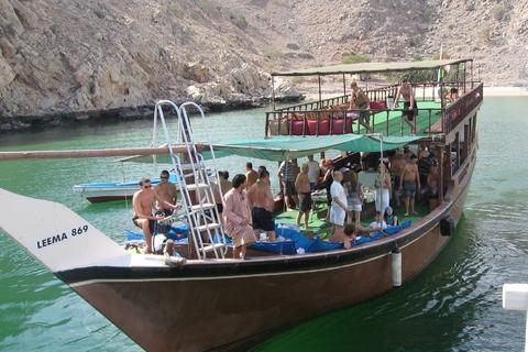 Van Dubai: Musandam Dibba Dhow Cruise met Snorkelen