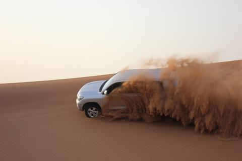 Dubai: extreme woestijnsafari, sandboarden en BBQ