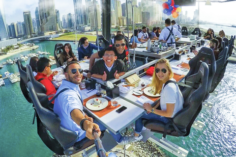 Dubai: high tea, hoog in de lucht
