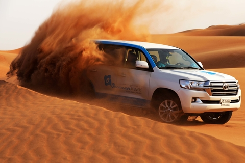 Dubai ochtendwoestijnsafari: zandboarden, kamelen & brunch