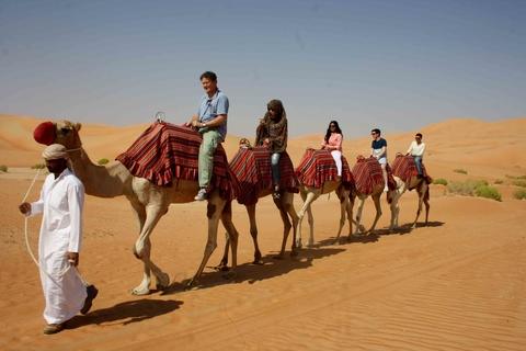 Dubai 6-uur durende avond kameelsafari en BBQ-diner