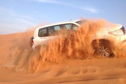 Dubai: ochtendavontuur rode woestijnduinen met zandboarden