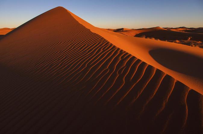 Crossen door de Rode duinen in Dubai inclusief woestijnkamp met barbecuediner