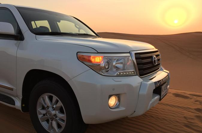 Private Afternoon 4x4 Dubai Desert Safari with BBQ Dinner